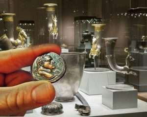 The biggest theft of antiques in the whole world is happening now in Bulgaria